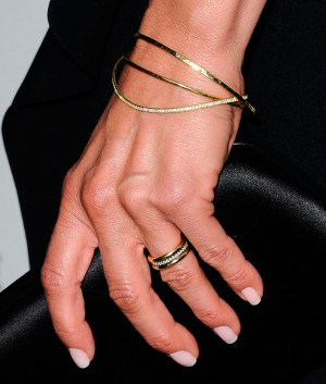 ring Jennifer Aniston