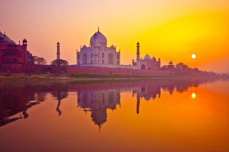 Zonsondergang aan de Taj Mahal
